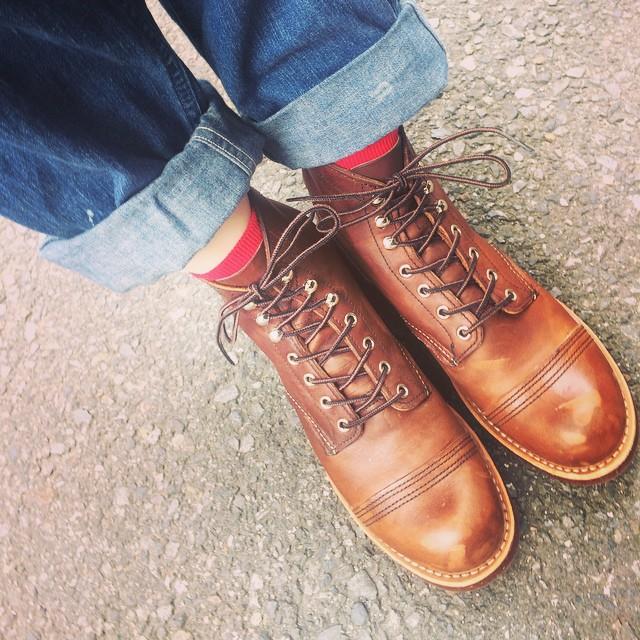 本日の足元チラリ。レッドウィングのアイアンレンジでした♪#redwing#レッドウィング女子部#靴磨き女子部#運命の靴