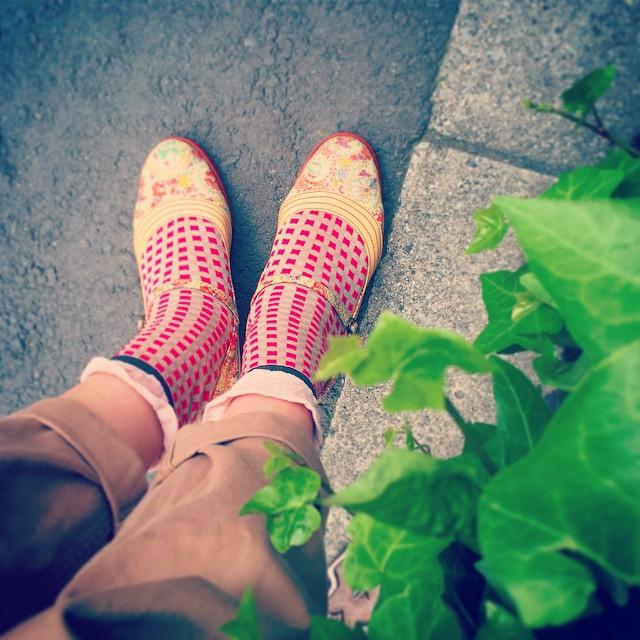 Good morning !お天気の土曜日、どこへ行こうか。足元を華やかにすれば気分もUP♪…ちなみに私はお仕事ですが笑#靴磨き女子部 #tsumorichisato #antipast