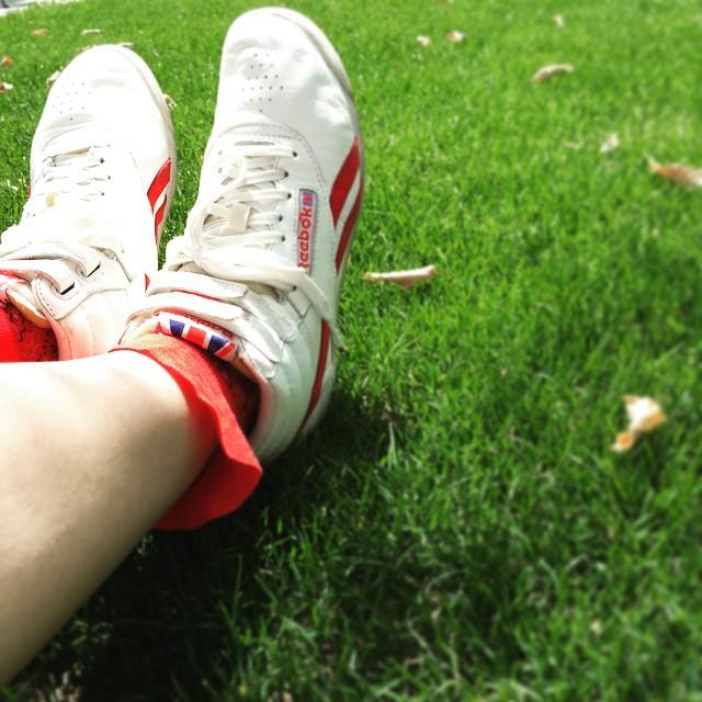 スニーカーならどこでもえいっと出掛けられる。元気をくれる靴です。 #運命の靴 #靴磨き女子部 #reebok