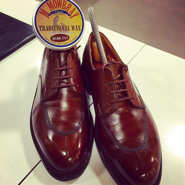 こんにちは!エスプリ軍曹です︎ 愛すべきjm.weston#jmweston #598 #501 #shoes #polish #shoecare #足元倶楽部 #靴磨き女子部 #エスプリ軍曹登場 #mowbray #france #jmウェストン #brown #靴磨き #だってエスプリ軍曹だもん