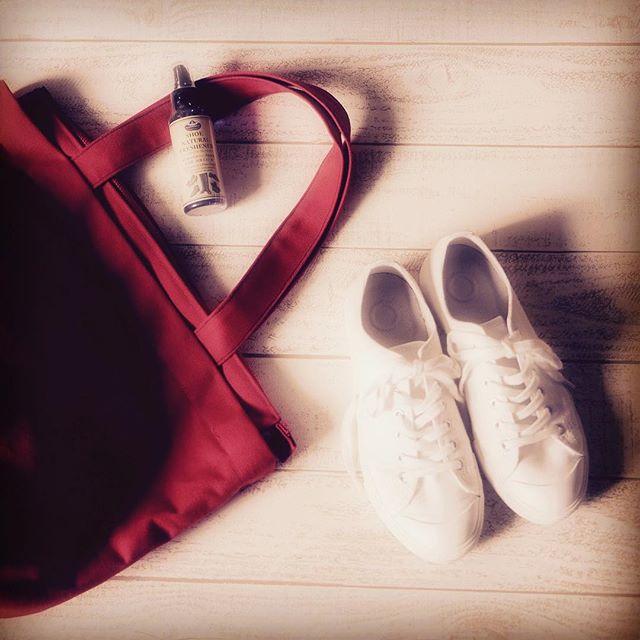 今日のテーマはプチプラ♪無印良品のスニーカーが歩きやすくてお気に入り♡#靴磨き女子部#本日の足元チラ#靴磨き女子部ピンクレンジャー#無印良品#スニーカー
