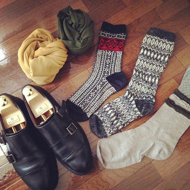 最近すこーしずつ秋の気配を感じますね︎夏が終わってしまうのは寂しいですが、お気に入りのパラブーツに今年はどんな靴下を合わせようかな…と考えると、ちょっとワクワクします #paraboot #パラブーツ #靴下 #靴磨き女子部 #靴磨き女子部せんちゃん #あしもと