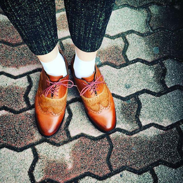 もう9月なんだからツイード履いてもいいよね#靴磨き女子部 #靴磨き女子部テリー #paraboot #ambre #tweed #whitesocks