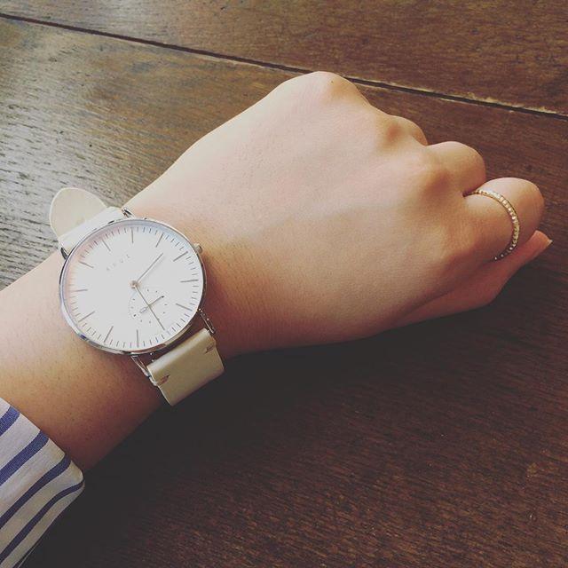 吉祥寺にある#knotwatch にて時計を新調♪ストラップが付け替え可能なので、徐々にいろいろ増やしたい秋冬の計画です︎#時計#watch#吉祥寺#knotwatch #靴磨き女子部#バクバクコアラ