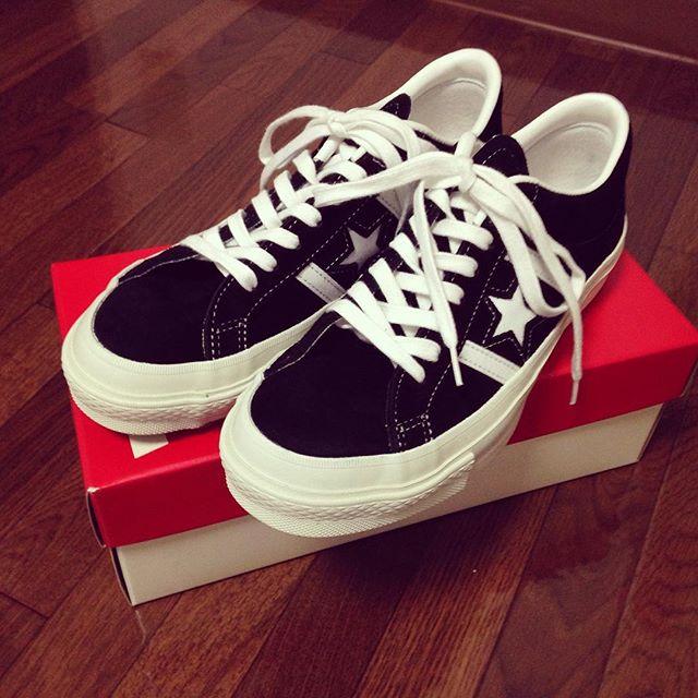 今日ご紹介するのは、converse ONE STAR☆長く愛されているモデルですが、なんだか新鮮な感じがして購入してしまいました︎スエードなので今日みたいな雨の日にもばっちりです。#靴磨き女子部 #靴磨き女子部せんちゃん #converse #コンバース #ワンスター #スニーカー #スエード