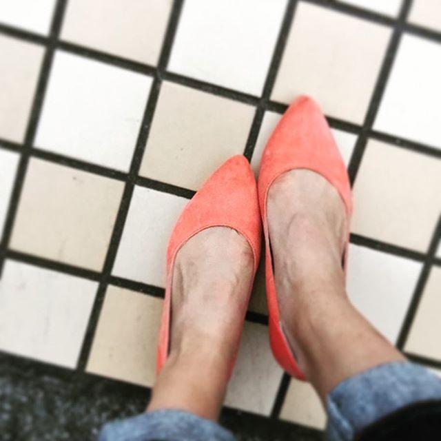普段スニーカーを履くことが多いですがたまにはキレイめな靴も履きたいと思いお手入れをして履いてみました♪#スエード#ポインテッドトゥ#woly#靴磨き女子部#グリーンメン