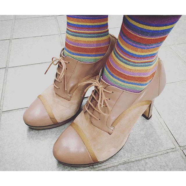 9㎝のヒールでもそんなに高く感じないのはストームのおかげ☆HP:@shoecaregirls#repetto #レペット #kiwanda #キワンダ #ブーティ #コンビ #ボーダー #足元クラ部 #靴磨き女子部 #しじみ