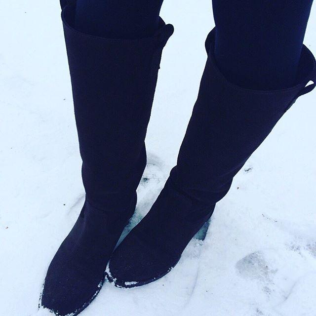 雪の日のスエードだってケアをすれば怖くないのです☃♡HP:@shoecaregirls#靴磨き女子部#靴磨き女子部グリーンメン #スエード#ロングブーツ#雪