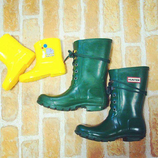 知っておきたいラバーブーツのお手入れはHP: @shoecaregirls のHPからご覧ください♪#ラバーブーツ#憂鬱な雨の日も#wolyマルチカラーローション#靴磨き女子部