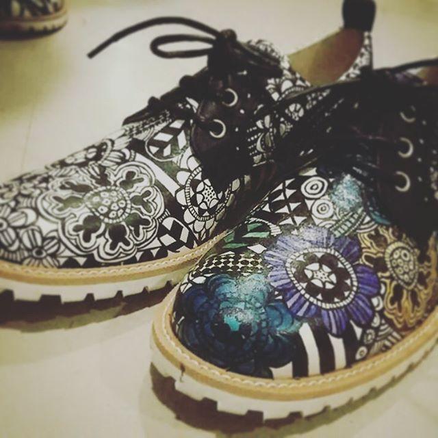 最近出会った#shoys_closet のハンドペイントレザーを用いた靴たちが、かわいくって、かわいくて、気になります♬#靴磨き女子部#劇団ぴよこ#足元クラ部 #shoys_closet