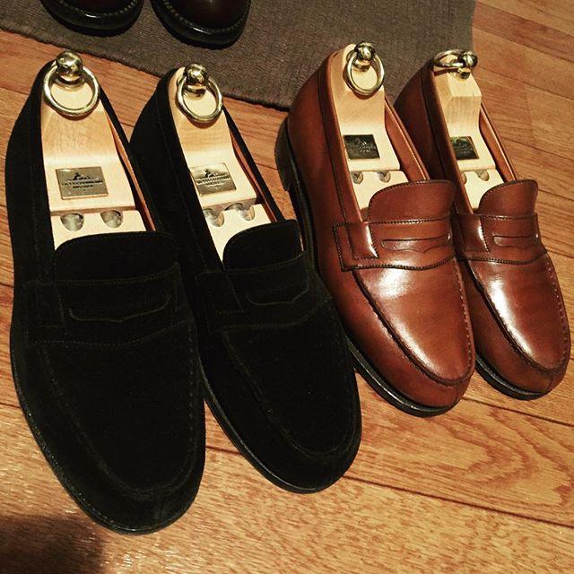 やはり王道なりHP:@shoecaregirls#靴磨き #jmweston #180 #loafer #jmウェストン #キングオブローファー #エスプリ軍曹登場 #black #brown #足元くら部 #shoeshine #kicks #france #shoetree #スエード #大人 #大人のローファー #フランス靴愛してます #love #足元 #やっぱり最初はブラウンから #ブラックはカーフにしちゃうと#ハルタに見えてしまうのではと#ビビってしまいました #fashion #オシャレさんなら #いつかは #洒落乙 #宣言 #今回はクドすぎましたね