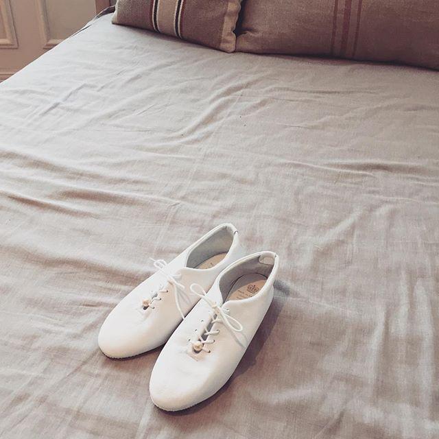 春夏のヘビロテシューズになるはずHP:@shoecaregirls#エスプリ軍曹登場 #crown #crownjazz #コットンパール #white #shoes #kicks #靴磨き女子部 #shoecare #shoecaregirls #girls #beams #ua #洒落乙 #spring #summer #fashion