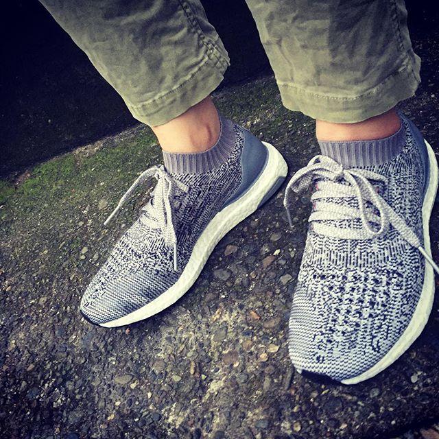 adidas :ウルトラブースト/アンケージド ***#adidas #kicks #ultraboost #ultravoostuncaged #足元倶楽部  #足元倶楽部アディダス部門 #エスプリ軍曹登場 #スニーカー履きますよ #アディダス #対比としてはナイキが多いですが #ファレルのアロハ買いましたよ #だって夏ですから #ウルトラブースト#履き心地最高  #軽いです #ソールがコンチネンタル #これ結構重要ポイントです#shoecaregirls @shoecaregirls