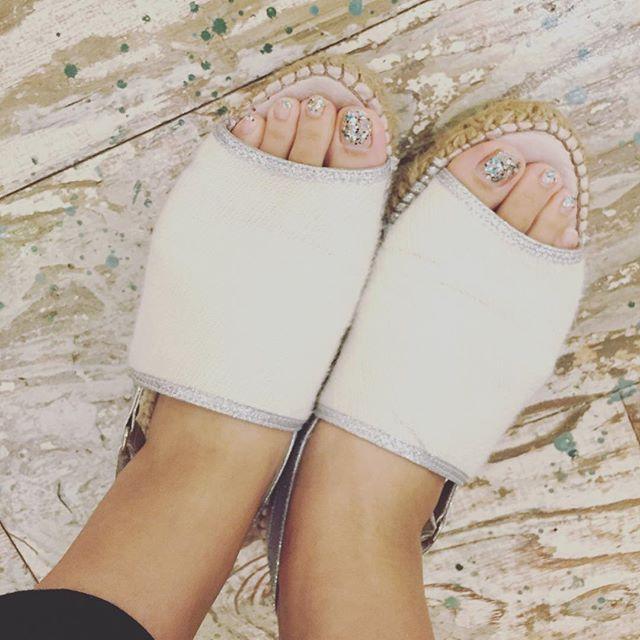 おはようございます。暑い日が続いているので、サンダルを履いてしまう毎日です︎今年はこればかり履いてる気が、、、笑#gaimo#サンダル#靴磨き女子部#グリーンメン#mmowbray #足元倶楽部