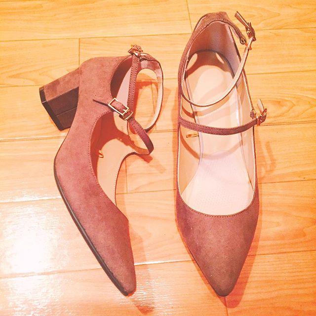 今日は9月2日、靴の日︎ HP:@shoecaregirls#靴磨き女子部#靴磨き女子部ピンクレンジャー#shoes#ストラップ#チャンキーヒール#歩きやすい#大事なこと#gu#guパンプス#お手頃価格 が#嬉しい#パンプス に#インソール必須 #9月2日は靴の日#衝動買いシリーズ #だって#見てたら#欲しくなった#後悔はしてない#beige#秋はもうすぐ