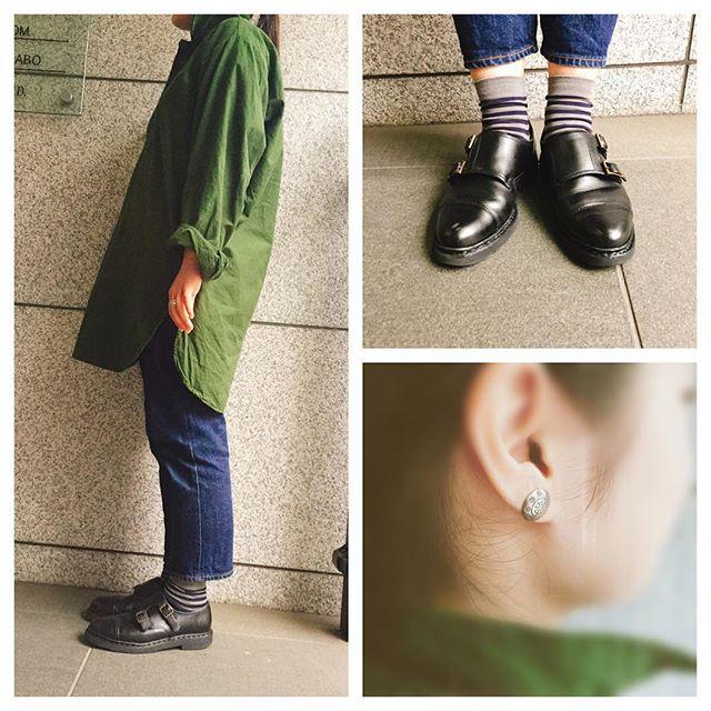 最近はコーディネートによくミリタリーアイテムを取り入れています!今日はスウェーデン軍がパジャマとして着ていたシャツです!笑あまりラフになりすぎないよう、デニムはジャストの丈で足元はパラブーツですっきりさせました。#shoecaregirls #paraboot #ウィリアム #parabootタグがないんです#ミリタリーアイテム #sunshinereeves #靴磨き女子部 #靴磨き女子部せんちゃん #ootd#outfit#cordinateHP:@shoecaregirls