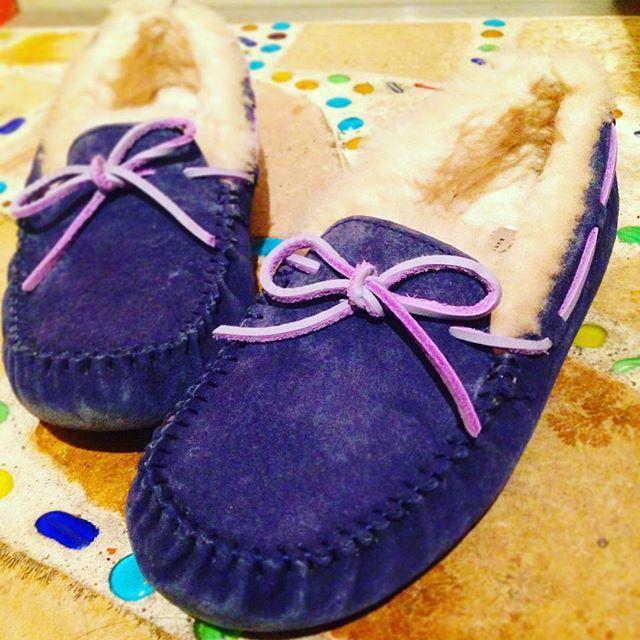 寒い冬は足元からあたたかく#靴磨き女子部オノシャルD #革靴手入れ #靴磨き #ugg