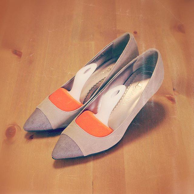 シューキーパーも女の嗜みAg+ 消臭機能付クサイ女にならないぞ!HP:@shoecaregirls #靴磨き女子部#靴磨き女子部ピンクレンジャー#shoes#DIANA#dianashoes#スエードパンプス#通勤コーデ#通勤靴#靴磨き#お手入れ#ベルベットキーパー#beigeheels #suedeshoes #shoekeeper #mowbraymania #mowbray#mmowbray
