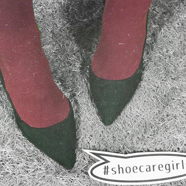 まだまだ寒いのでタイツは必需品!HP:@shoecaregirls #靴磨き女子部#靴磨き女子部ピンクレンジャー#shoecaregirls #本日の足元チラ#mowbraymania #shoecare#カラータイツ#仕事靴#通勤コーデ #お仕事コーデ#outfitoftheday#プチプラコーデ
