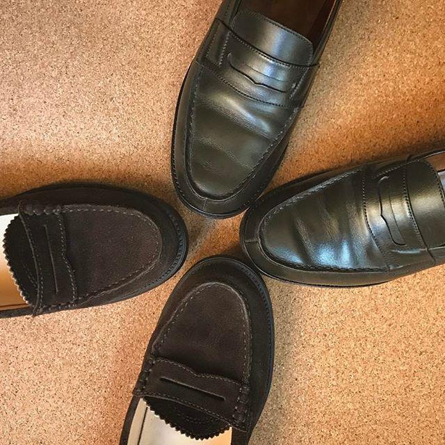'なまけもの'なんて意味が付いているけど、どんな服にも合わせやすい優秀なローファーに、新しい仲間が増えました☻☆#ローファー #jmweston #atestoni #loafers #shoecare #mowbraymania #靴磨き女子部 #しじみ