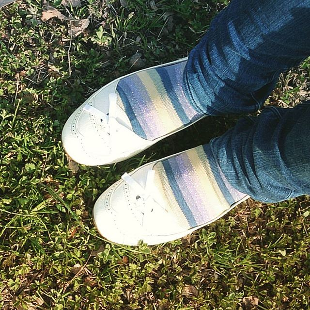 3連休は暖かく春らしい陽気本日はさわやかな白いパンプスでおでかけ#靴磨き女子部 #shoecaregirls #ハスキー犬 #ハスキーケン #フラットパンプス #ホワイトパンプス #革靴好き #くつのこと #春がきた #靴下 #靴下屋 #靴下くら部 #足元クラ部 #mowbraymania #モゥブレィ同盟HP:@shoecaregirls