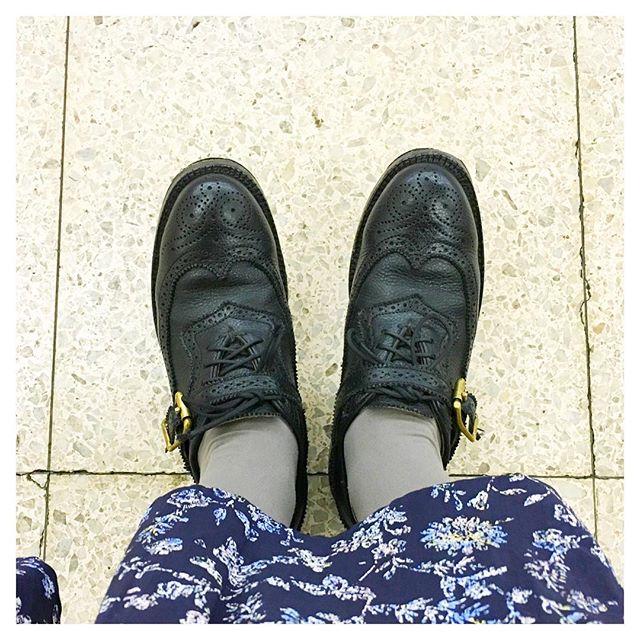 .黒い革靴をしばらく持っていなかったのですが、ようやく手に入れました!流行り廃れのない黒の革靴は、何年もお世話になりそうです。#靴磨き女子部#靴磨き女子部こびと#mowbraymania #ユケテン#yuketen#yuni#黒い革靴