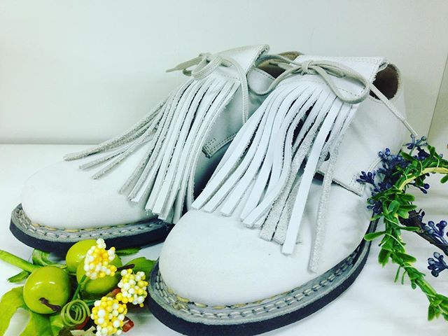 とある方から譲っていただいたパラブーツ最近よく履いております!#靴磨き女子部#オノシャルD #パラブーツ#ヌバック#アイボリー