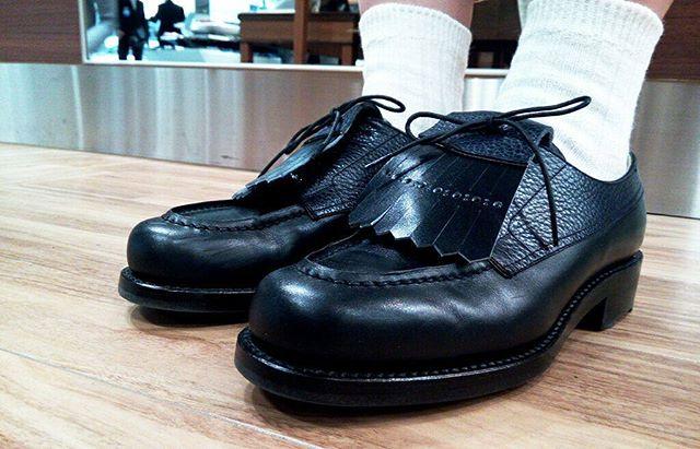 レディースサイズも開発中だそうです…!!楽しみ…! RENDOのパターンオーダー・既成靴販売会は本日20時まで!#靴磨き女子部#shoecaregirls #本日の足元チラッ#shoes#leather#RENDO#女性職人#レディース木型#池袋工房#劇団ぴよこ#止まらない靴欲
