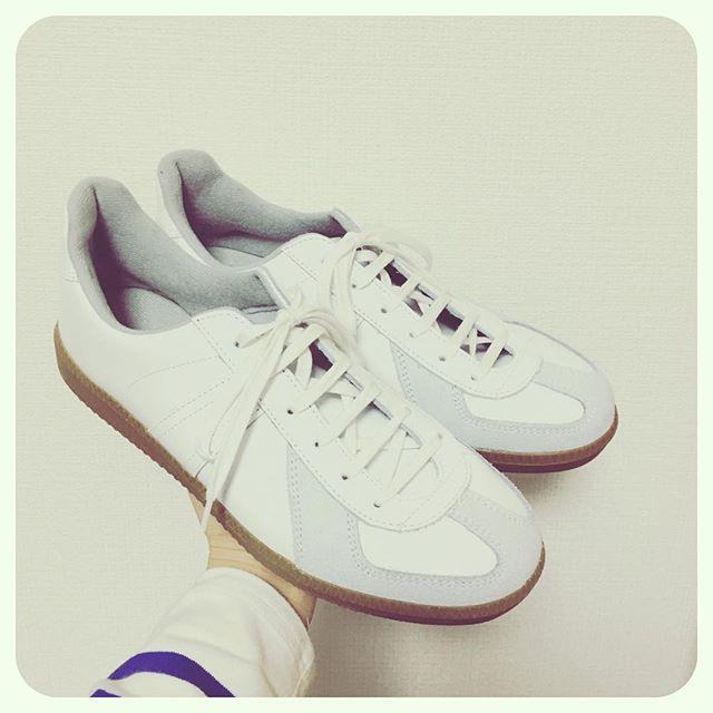 コーディネートを考えるのが楽しみな一足。大切に履いていきたいです。HP:@shoecaregirls#靴磨き女子部 #靴磨き女子部せんちゃん #ジャーマントレーナー #germantrainer #mowbraymania