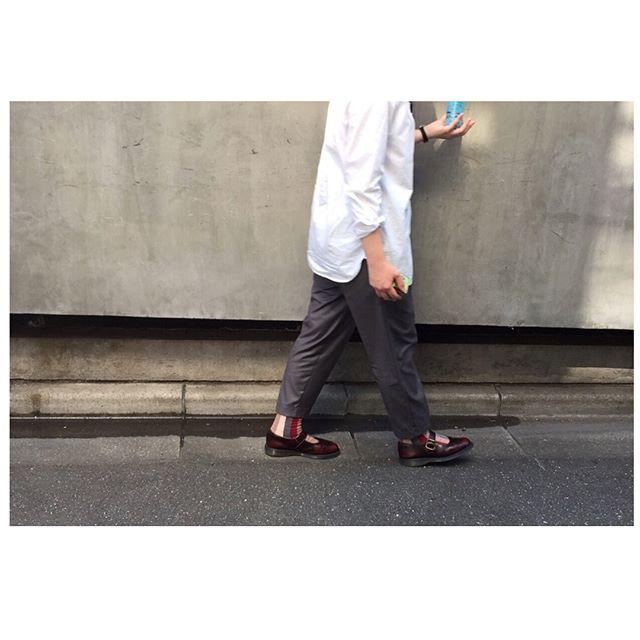 初登場ですこれからよろしくお願いいたします#靴磨き女子部#ばくばくジュニア#shoe活2017#あしもと倶楽部#おしゃれさんと繋がりたい..#今日のコーデ高校生の時初めて買ったマーチンお気に入りのヴィヴィアンファンの方も多いのではないでしょうか。長くお付き合いしていくためにも、ケアは欠かせませんね️..#ドクターマーチン#インディカ#メリージェーン#チェリーレッド##ヴィヴィアンウエストウッド#靴下#ootd#outfit#uniqlo#anbidex#drmartens#indica#viviennewestwood