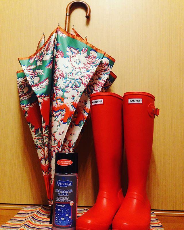 雨の日️も明るく楽しく#靴磨き女子部 #オノシャルD #プロテクターアルファ #shoe活2017 #hunter #orange