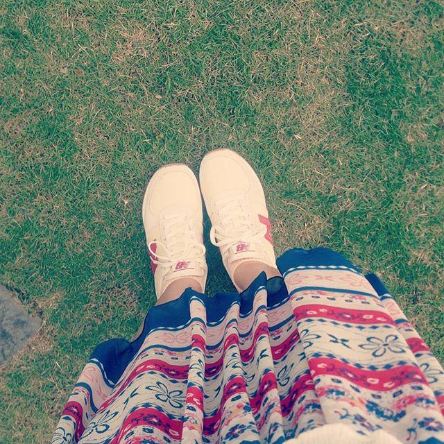 今日はお出かけで長い時間歩くのでニューバランスにてスカートにも合わせやすいです#shocaregirls #靴磨き女子部 #shoe活2017 #ハスキー犬 #ハスキーケン #mowbraymania #モゥブレィ同盟 #スニーカー #ニューバランス #newbalance #スカート #ルージュヴィフ #rougevif #歩きやすい #休日 #くつのこと #靴下屋 #靴下コーデ