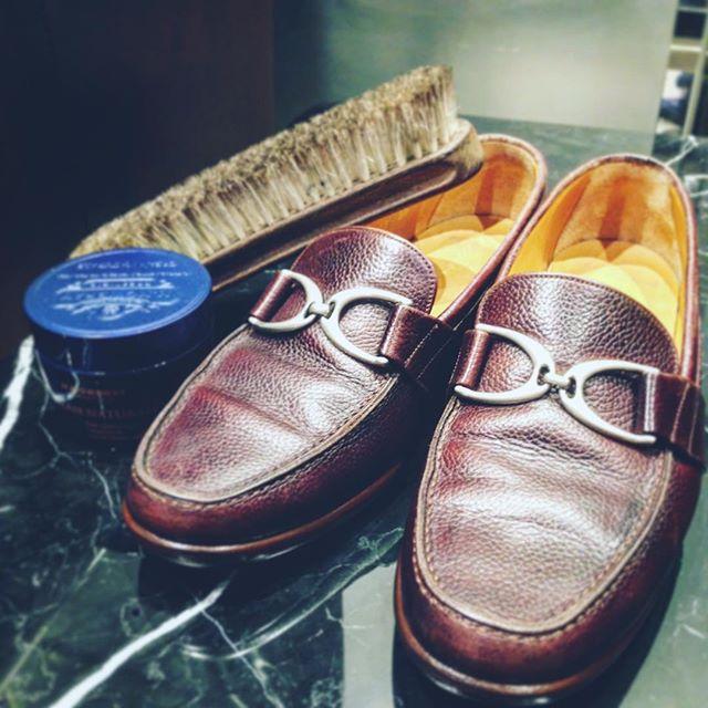 頂き物のYANKOの変形ビットローファー #クリームナチュラーレ と#サノハタブラシ でお手入れすればしっとりツヤツヤに😎#靴磨き女子部#靴磨き女子部セガール#靴磨き#shoes#shoecare#shoe活2017#mowbray#mowbraymania#あしもと倶楽部#yanko #yankoshoes #ローファー #革靴