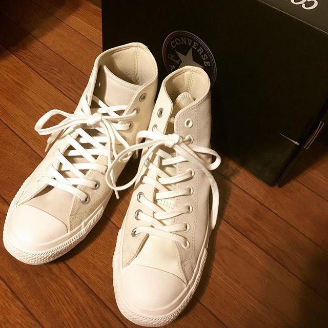 ついにゲットしました!ENGINEERED GARMENTS ️CONVERSE ️BEAMS最高です、ローカットも欲しいなぁ#beams #beamsplus #converse #converseallstar #chacktaylor #limitededition #kicks #sneaker #tokyo#japan#足元倶楽部 #cons#mowbray #mowbraymania #fashion #shoecaregirls #エスプリ軍曹登場 #スニーカー女子 #スニーカー#ビームス#コンバース#スエード#レザー #コンビ最高#アシンメトリー#greatful #goodtime #holiday