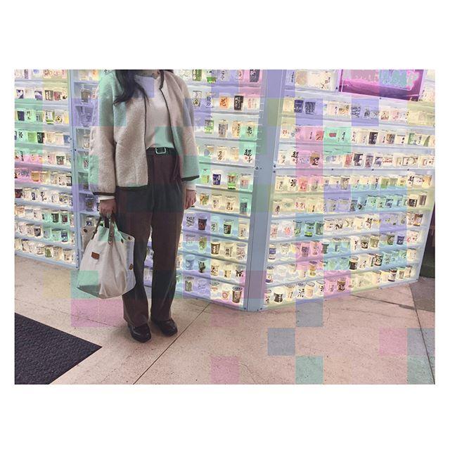 #jocomomola で一目惚れしたモコモコブルゾン!#雨予報 の日は、#paraboot 派か#スエード 派か#スニーカー 派に分かれるスタッフ。わたしは、、、☞☞☞#alfredsargent !!もうすぐ半年経ちます。#靴磨き女子部#ばくばくジュニア#今日のコーデ#parici#munsingwear#おじいちゃん #靴下屋#cledran#靴磨き倶楽部#靴磨き#革靴#studiocbr#outfit#ゴルフ#earthcolors#natural#vintage#fashion#パラブーツ じゃないよ#シャンボード じゃないよ#おしゃれ#おしゃれさんと繋がりたい#お洒落さんと繋がりたい