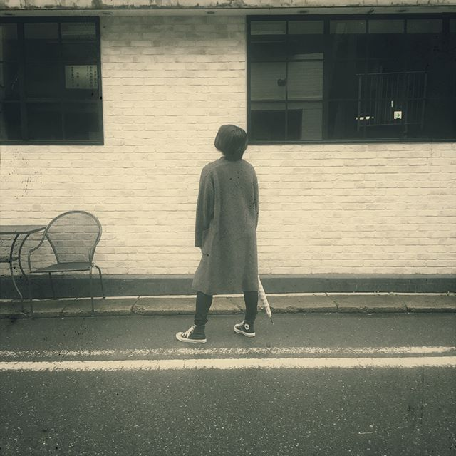 .雨の日もオシャレを楽しみたいですね。今日はスタッフのスニーカー率高めです︎....HP:@shoecaregirls#靴磨き女子部#足元倶楽部#靴磨き女子部ピンクレンジャー#靴磨き女子部モノクロすけ#今日のコーデ#おしゃれさんと繋がりたい#足元くら部#スニーカー女子#コンバースハイカット#モノトーン#靴磨き女子部の雨の日コーデ#ユニ女#プチプラコーデ #coordinate#shoecaregirls#mmowbray#mowbraymania#instafashion#followme#fashionphotography#outfitoftheday#uniqlo...
