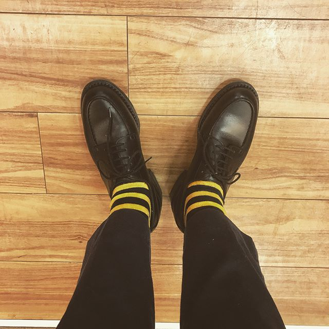 ゲ・ゲ・ゲゲゲのゲ〜靴下は何枚あっても足りないって思ってるタイプです。#靴磨き#jmweston#golf#socks#足元倶楽部 #shoecare#shoecaregirls #エスプリ軍曹登場 #サンデー#sundays #uniqlo #福助#革靴 #jmウェストン
