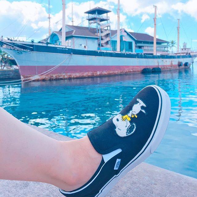 先日までハワイへ行っていました。寒さや雨が続く東京なので、爽やかな写真で少し暖をお届け#vans#vanspeanuts #snoopy#peanuts #kicks#hawaii #aloha#sneaker #エスプリ軍曹登場 #スヌーピー#靴磨き女子部 #SneakerFreaker #足元倶楽部 #honolulu