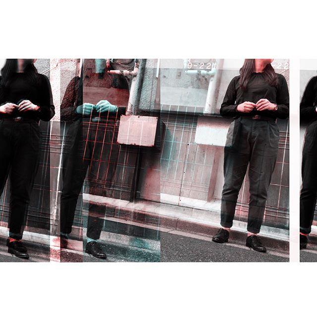 朝晩はコートですが、昼間はまだまだ暖かいのでブラウスでめずらしく#黒 の#靴磨き女子部 #ばくばくジュニア#今日のコーデ #今日の靴#dotandstripes#poloralphlauren#muji#parici#革靴 やや#ハイシャイン#初心者#shoescare#shoes#mowbraymania#mowbray#black#無印良品#チノパン#morokoi#足元倶楽部#おしゃれ#おしゃれさんと繋がりたい#お洒落さんと繋がりたい#置き画くら部#vintage#見えない#おさがり の#革ベルト は#ralphlauren ︎