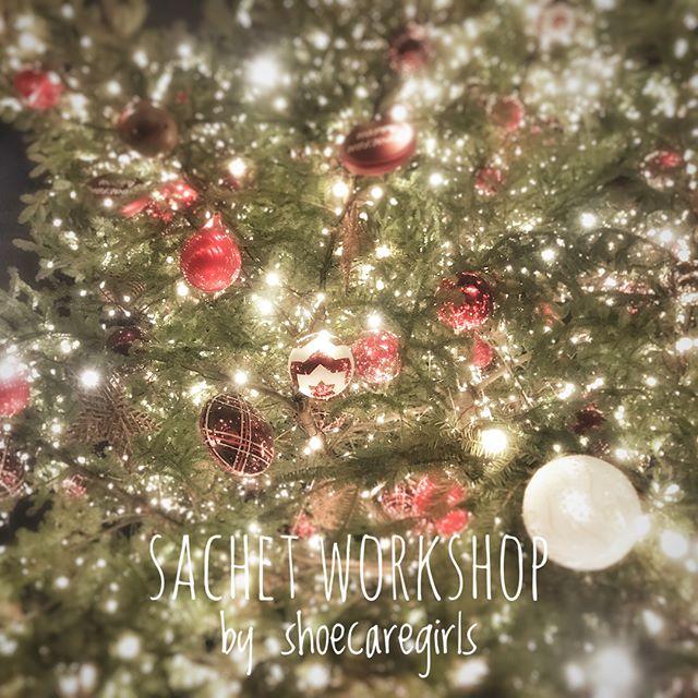 明日からもう12月️.クリスマスムードも益々高まるこの季節にピッタリのイベントのご案内.. 恵比寿ガーデンプレイスで開催中のクリスマスマーケットにて12/2(土)、12/9(土)の2日間ワークショップを行います。..詳しくは2枚目にて.イベントの他にも、プレゼントにおすすめの商品もその場でご購入頂けます.ぜひ、お越しください.HP:@shoecaregirls#靴磨き女子部#足元くら部#足元倶楽部#靴磨き女子部ピンクレンジャー#おしゃれさんと繋がりたい#ワークショップ#恵比寿ガーデンプレイス #クリスマスマーケット#クリスマスツリー #shoecaregirls#mowbraymania#christmasmarket#ebisugardenplace #workshop#japan#sachet#christmastree#christmas