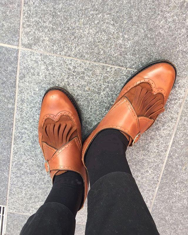 .3年目のparaboot自分の足にしっかり馴染んで今では1番履きやすい革靴です❣️parabootらしくないところがお気に入りです️HP@shoecaregirls#paraboot#ladies #shoes #パラブーツ ケアは#スエードカラーフレッシュ#シュークリームジャー#mowbraymania #shoescare #靴磨き女子部#グリーンメン