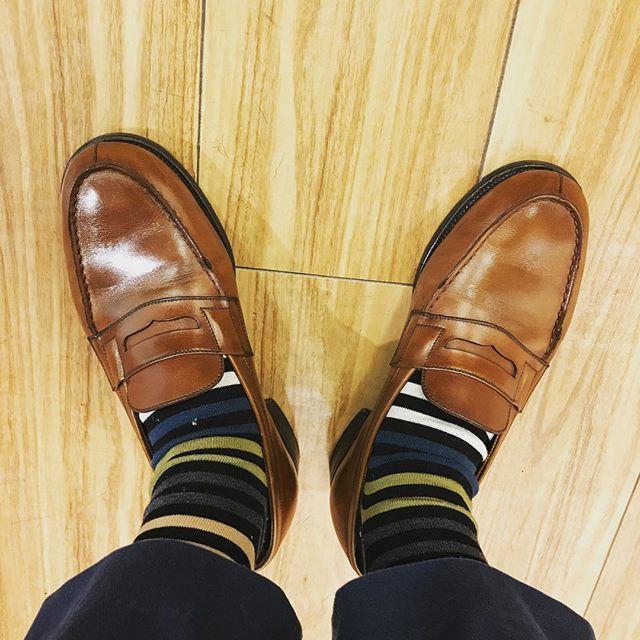 こんばんは、メリークリスマス**********#jmweston#jmウェストン #shoes#shoecare #mowbraymania #足元倶楽部 #jmweston180 #socks#farench#england#xmas#靴下コーデ #革靴#クリスマスイブ