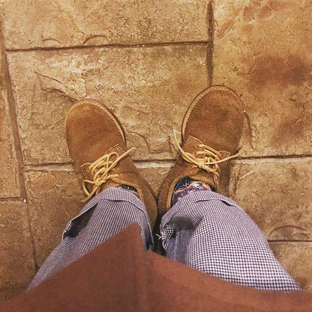 キコリみたいな丸っこい形が気に入ったNORIEIの靴。この冬たくさん履きたいなと思います︎#noriei #ノリエイ #derby #ダービー #スエード #lether #shoes #靴磨き女子部 #足元倶楽部 #しじみ #mowbraymania #mowbray #marblesud #danton