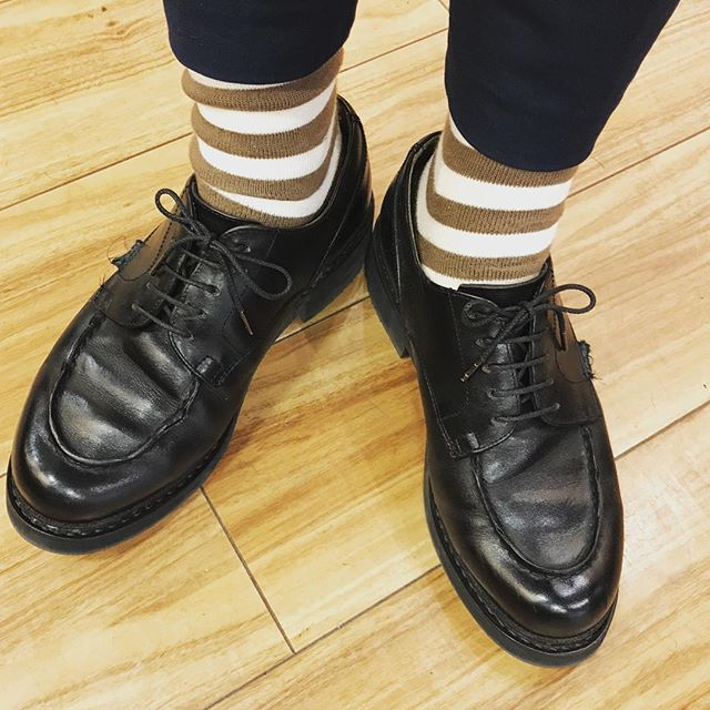 やっとオールソールから戻ってきました️ #paraboot #mowbray #shoes #パラブーツ#パラブーツシャンボード #足元倶楽部 #靴下コーデ #靴磨き #shoecare#shoeshine #エスプリ軍曹登場 #リペア#フランス#france #kicks#socks #unitedarrows #デリケートブラックで磨いてます#革#革が育ってデリケートクリームで光る