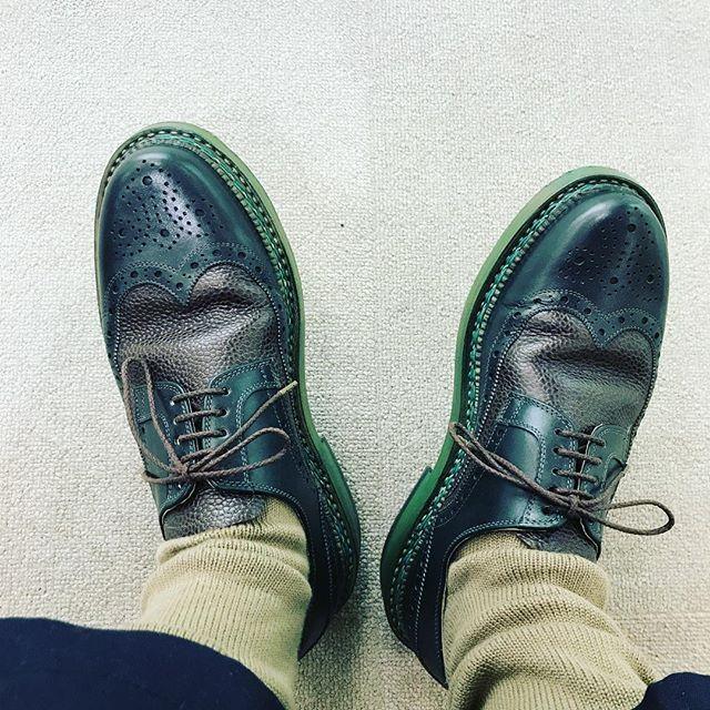 グリーン️グリーン#shoes #shoecare #buday#socks #sockstagram #englishguild #足元倶楽部 #靴磨き女子部P#靴磨き#靴下#靴下コーデ #ハインリッヒディンケラッカー #ブダイ