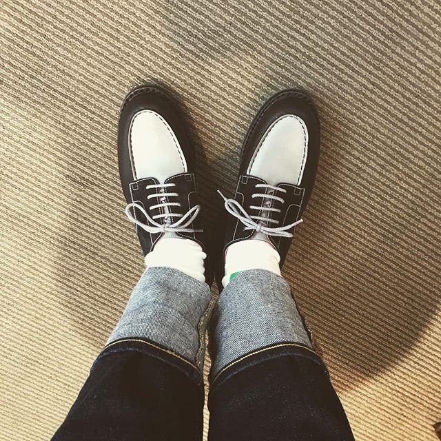 梅雨明けが待ち遠しい **#shoecare#mmowbray #jmweston #golf#fashion #denim #無印良品 #おしゃれさんと繋がりたい #shoe活2018 #france #specialday #キックオフまであと2時間#靴磨き女子部p #インスタキャンペーン開催中#靴磨き