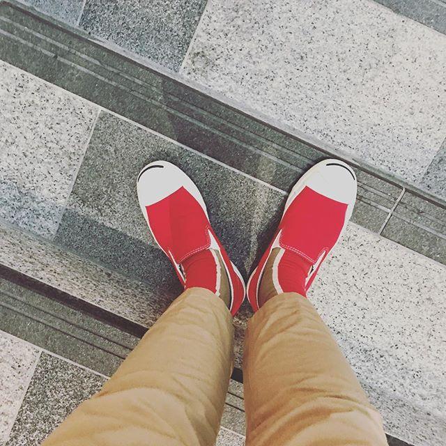 スリッポンらく〜最近お気に入りのchicstocksと一緒に。#converse#jackpurcell #slipon #fashion #chicstocks #gramicci #靴磨き女子部p#おしゃれさんと繋がりたい #コンバース#コンバースコーデ #ビームス#無印良品