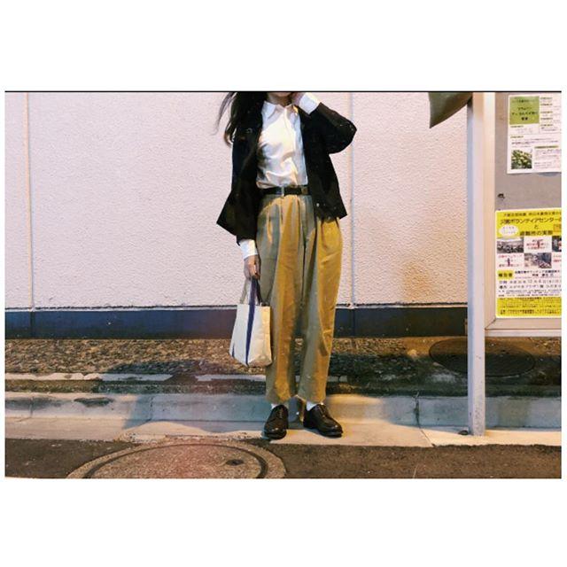 ︎研修だった日#靴磨き女子部j #mowbraymania#靴磨きの日••••••••••••••#ジャケット#humanwoman#白シャツ#polo#革ベルト#ralphlauren#チノパン#matquotidien#革靴#alfredsargent#トートバッグ#tembea••••••••••••••••#ロングヘア#vintage#革靴倶楽部#革靴女子#あしもと倶楽部#お洒落さんと繋がりたい#今日のコーデ#ジャケットコーデ#paraboot 似てる#神保町#ootd#cluel#studiocbr#parici#ambidex