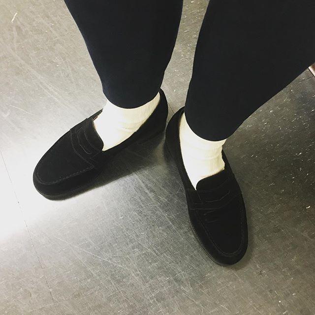 ダークサイドでビリージーンって気分です。***#shoecre#shoecaregirls #jmweston #jmweston180 #靴磨き#おしゃれさんと繋がりたい #スエード#足元倶楽部 #ローファーコーデ #マイケルstyle#マイケルジャクソン #マイコー#リスペクトです