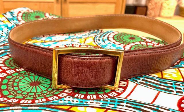 こんな色で、こんな幅で、こんなバックルで…ベルトも自分だけの1本を作ってみませんか?ビジネスシーンに合わせるもよし、プライベート用でもよし。好みを組み合わせたベルトは、活躍すること間違いなしです!︎#ベルト #オーダー #レザー #leather #belt #ファッション #おしゃれさんと繋がりたい #靴磨き女子部 #fans. #asakusa #浅草 #靴磨き女子部o #しじみ #winsfactory #cloudy #africanfabrics